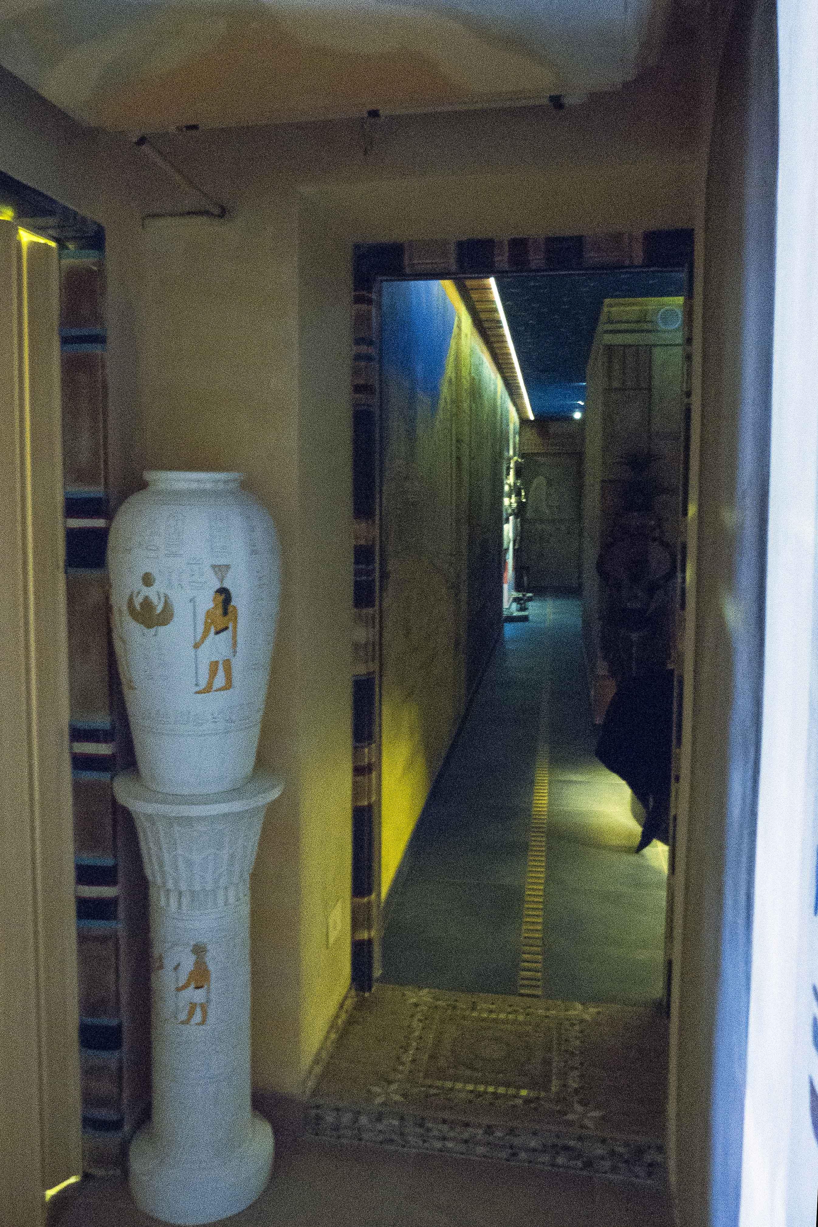 Vana v Egyptském chrámu