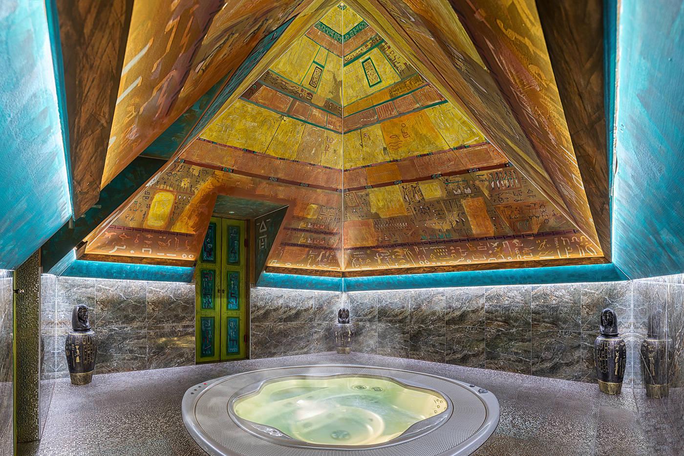 Vana v pyramidě